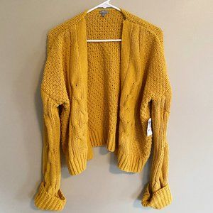 Charlotte Russe NWT open front chunky knit sweater
